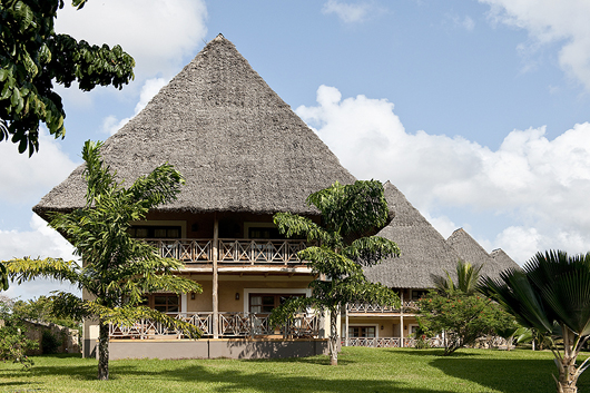 Neptune hotels i beach resorts safari camps lodges in for Architecture africaine